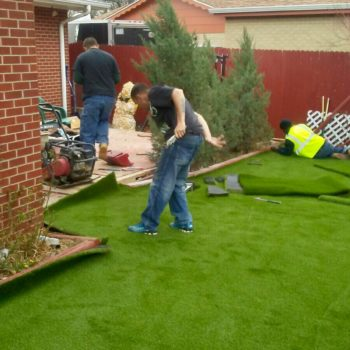 installing artificial grasses