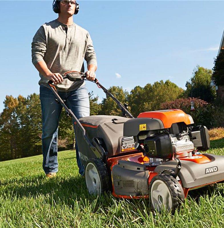Rhode-Island-installing-artificial-grass